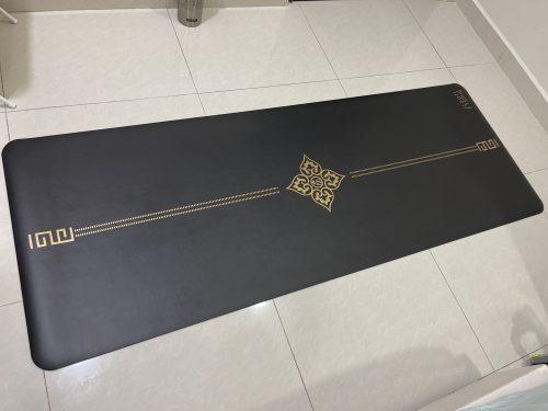 SoftSnug Yoga Mat - Gold/Black photo review